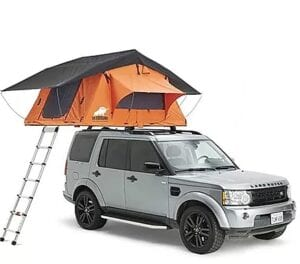 The Ox Overland Dakota 210 Roof Top Tent is exactly the same size as the Ventura Deluxe 1.4, so officially it is a 3 person roof tent, but in reality it is more of a 2-person roof tent (or 2+1 child). Likewise, it is designed to withstand extreme conditions on all continents and in all weathers. It has a 600D Rip-stop polycotton tent wall - Polycotton is breathable, and thanks to some polyurethane coating applied on the fabric it is mould resistant, UV resistant and waterproof. The rain fly is made of a 600D polyester Oxford fabric with taped seams. The Ox Overland Dakota 210 has been wind-tested too, and it is capable to withstand winds up to 74 mph. The Roof Tent is multi fit and attaches to most vehicles with good quality roof rails – be it your truck, camper van, 4x4 off road, car, trailer etc